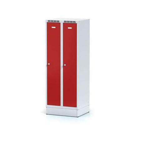Szafki do przebieralni, Metalowa szafka ubraniowa obniżona, na cokole, czerwone drzwi, zamek cylindryczny
