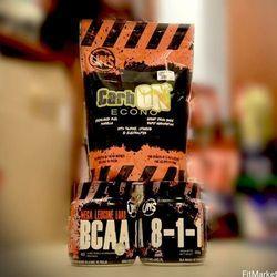 UNS BCAA 8:1:1 1kg aminokwasy + regeneracja