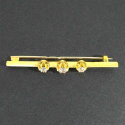 Złota broszka z diamentami W740