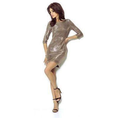 1d7ccdc1c0 Złota sukienka wieczorowa błyszcząca z dekoltem na plecach
