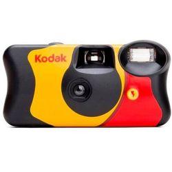 Kodak aparat FUN Saver 400/27 +12 z filmem kolorowym i lampą błyskową.