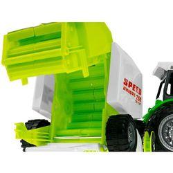Traktor z prasa kostkujacą 666-106B