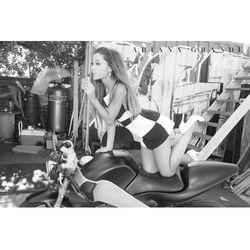 Ariana Grande Motor - plakat
