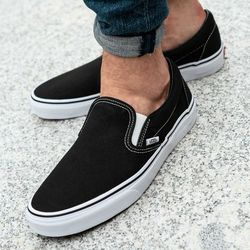 Vans Classic Slip-On (VN000EYEBLK1)