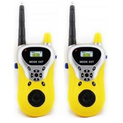 Dwie Krótkofalówki (walkie talkie). Zasięg Działania do ok. 100 metrów.