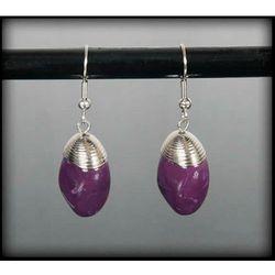 Wiszące kolczyki z fioletowym kamieniem - fioletowy