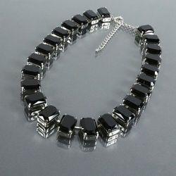 Krótki naszyjnik z dużych czarnych kryształów - czarny