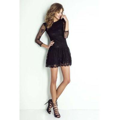 0f5b5c00 Czarna koronkowa sukienka z dekoltem na plecach marki Wow point